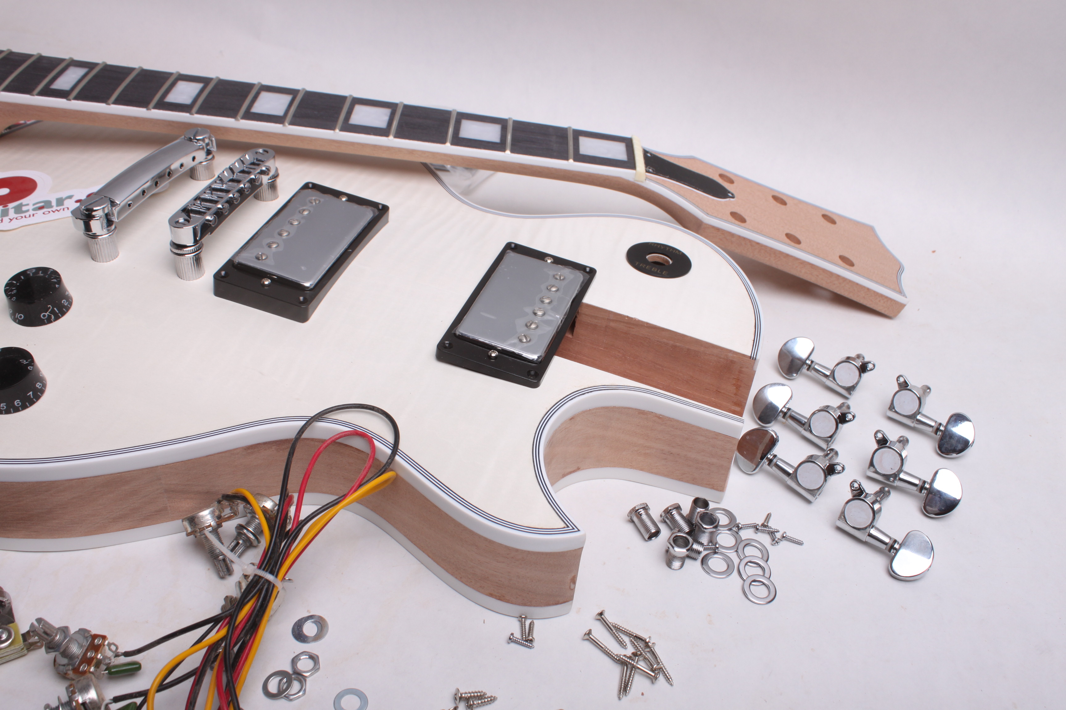 ELECTRIC GUITAR KIT- LP-STYLE - Guitar bodies and kits from