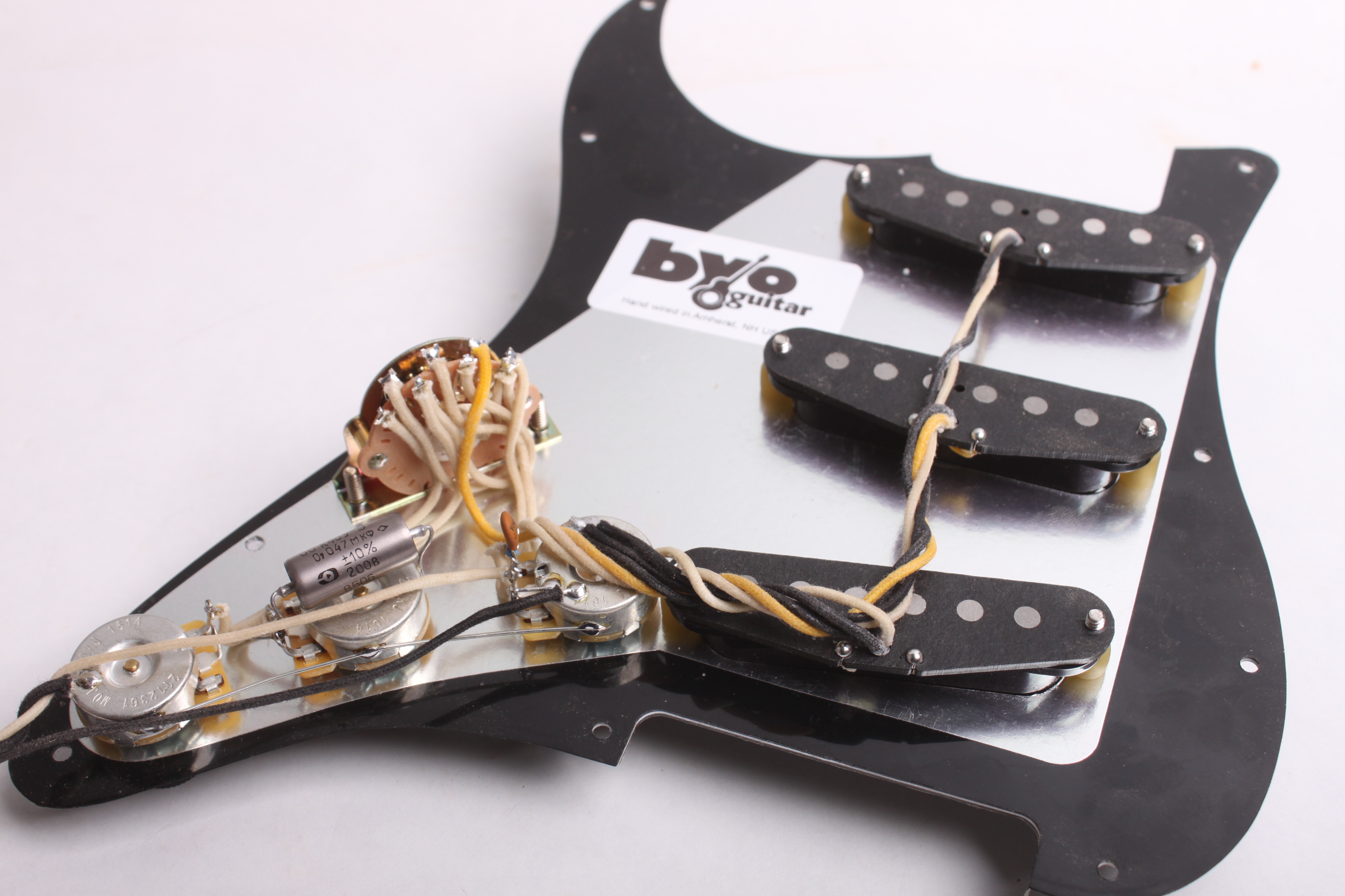 Vintage Pre-Wired Pickguard - Guitar bodies and kits from BYOGuitar